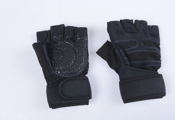 China Gym Sports Protective Gear / Half Finger Glove For Dumbbell Exercise Weight Lifting supplier